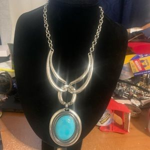 Silver plated howilte pendant necklace